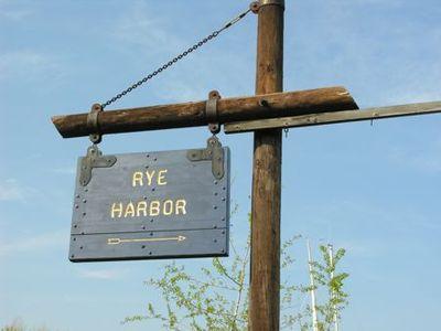 Sign Rye harbor - Tami Potter